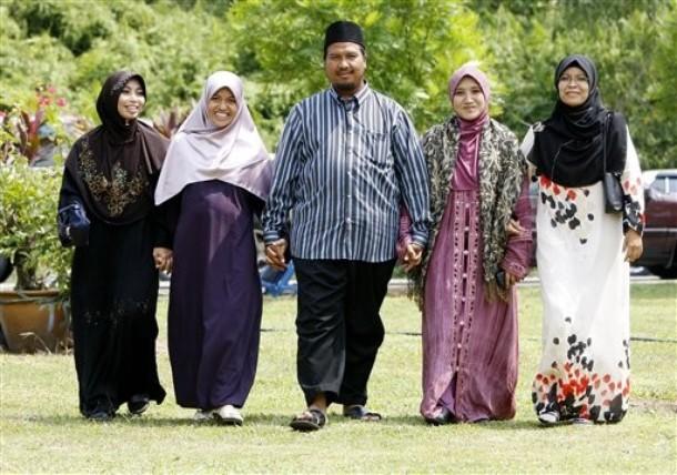 Hikmah poligami