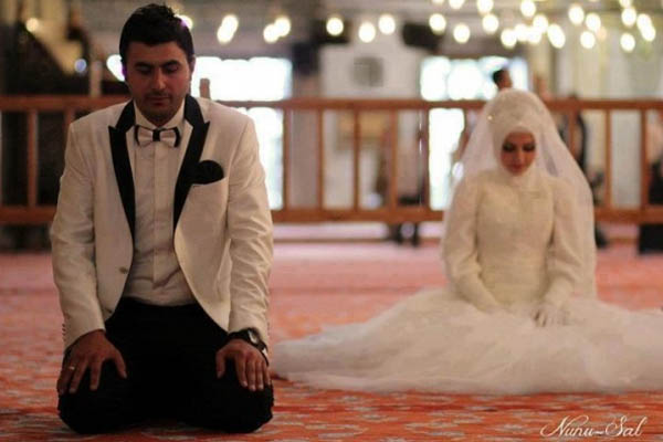menikah di usia muda - ilustrasi © muslimvillage.com